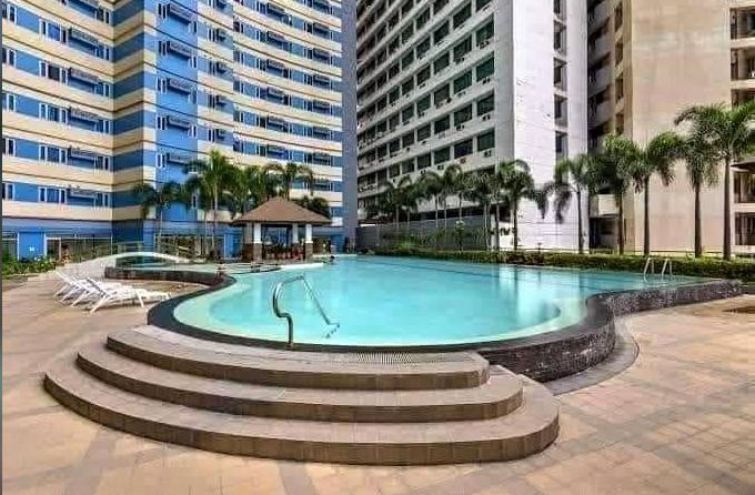 condo-for-rent-in-vito-cruz-the-grand-towers2-facing-manila-bay-big-2