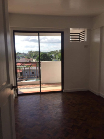 2-bedroom-unit-for-sale-near-sm-center-pasig-and-tiendesitas-big-0