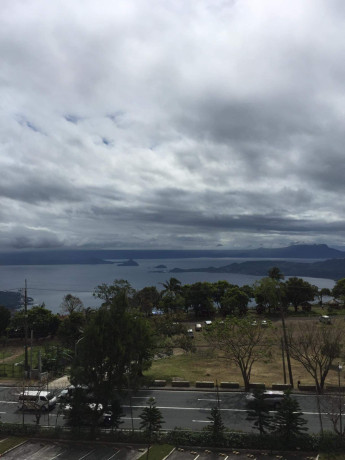 tagaytay-1-br-unit-with-balcony-for-sale-overlooking-taal-lake-big-6