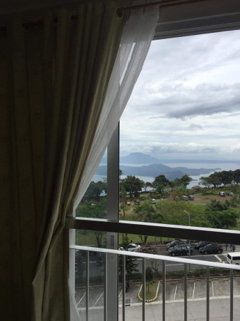 tagaytay-1-br-unit-with-balcony-for-sale-overlooking-taal-lake-big-5