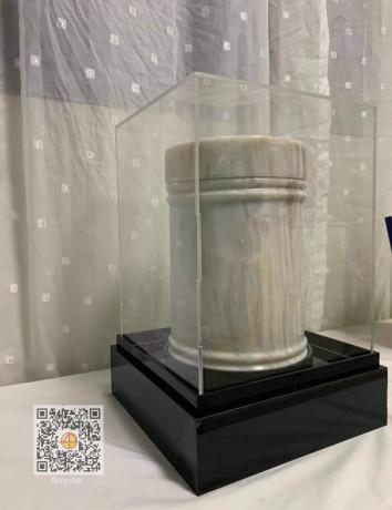 urn-case-acryliccustom-made-big-0