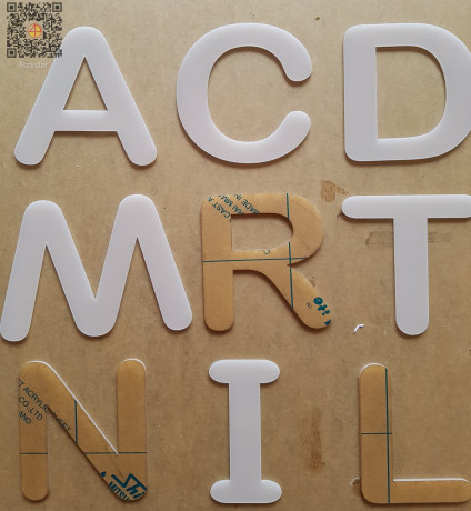 acrylic-stainless-letter-cut-out-and-build-up-big-2