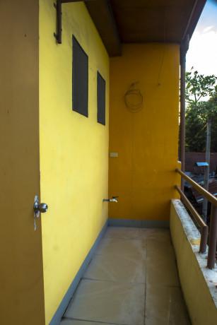 bare-unit-apartment-for-rent-big-4