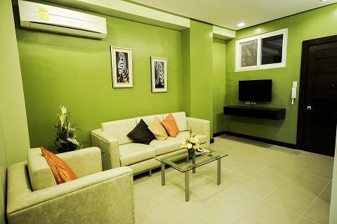 santonis-place-for-rent-2-br-80sqm-with-huge-walk-in-closet-near-ayalasm-cebu-big-0