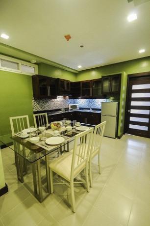 santonis-place-for-rent-2-br-80sqm-with-huge-walk-in-closet-near-ayalasm-cebu-big-1