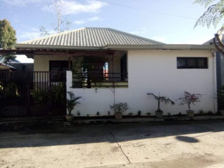 House for Assume at Residencia del Rio