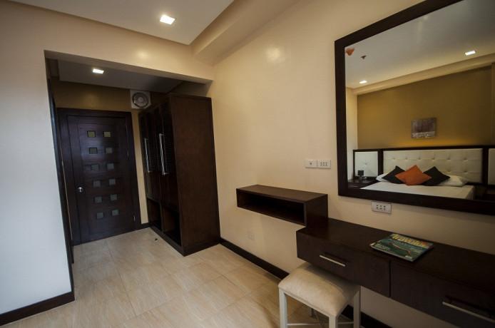 for-rent-one-br-36sqm-with-free-parkinghousekeeping-near-it-parklanderssm-cebu-city-big-0