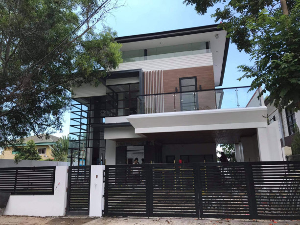 house-and-lot-inside-high-end-subdivision-big-0