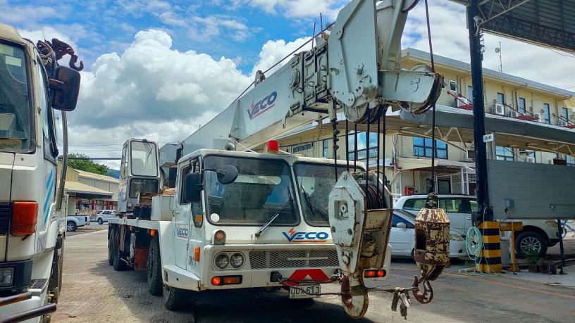 crane-kato-truck-mounted-30t-diesel-big-3