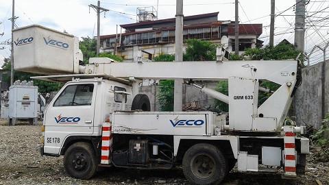 isuzu-bucket-truck-diesel-manlifter-big-0