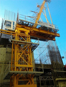 tower-crane-hammerhead-and-luffing-crane-big-0