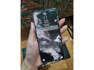 Samsung s21 Plus (Silver)